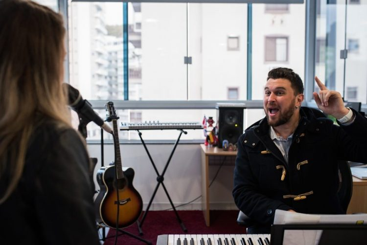 Como Aprender a Cantar Bem?